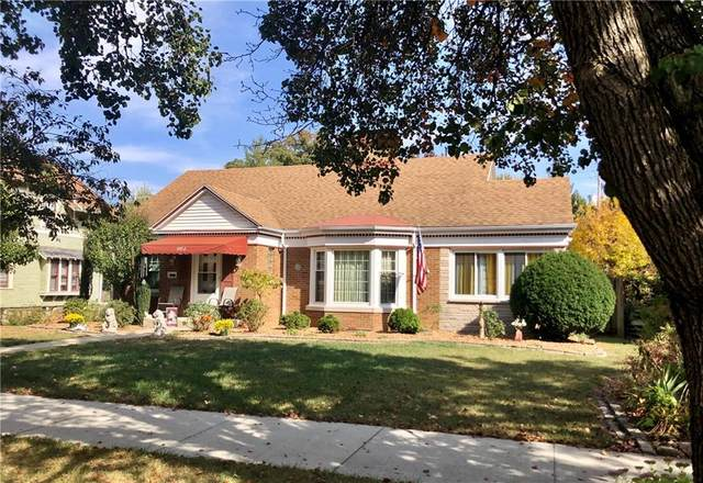 902 S Fifth Street, Effingham, IL 62401 (MLS #6206407) :: Ryan Dallas Real Estate