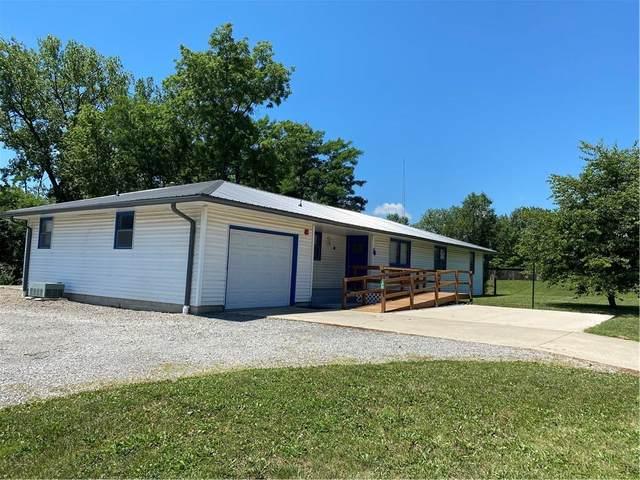 101 W Evergreen Avenue, Effingham, IL 62401 (MLS #6206536) :: Ryan Dallas Real Estate