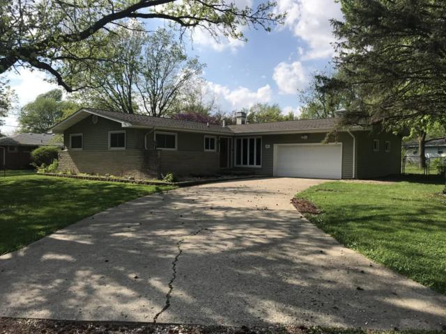 420 E Walnut, Mt. Zion, IL 62549 (MLS #6181965) :: Main Place Real Estate
