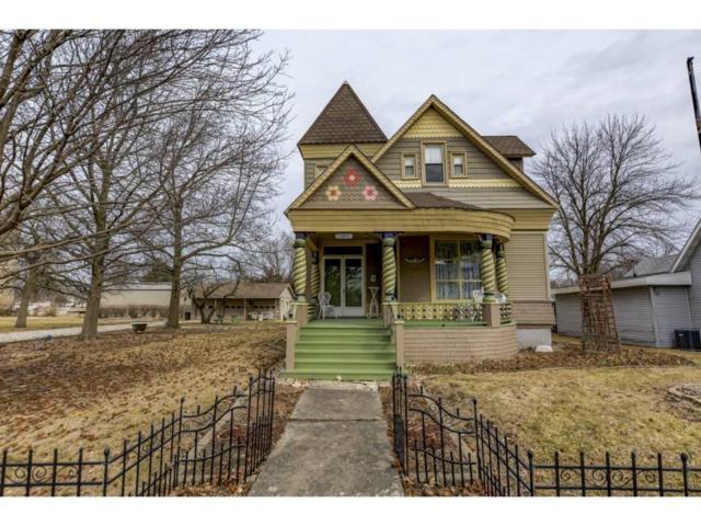 184 E Elm, Argenta, IL 62501 (MLS #6190717) :: Main Place Real Estate