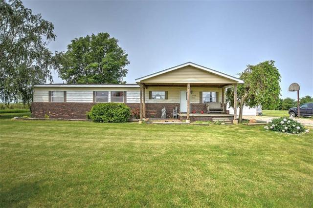 4901 N East County Line, Oakley, IL 62501 (MLS #6193532) :: Main Place Real Estate