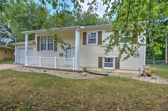 24 Barclay Court, Decatur, IL 62526 (MLS #6194685) :: Main Place Real Estate