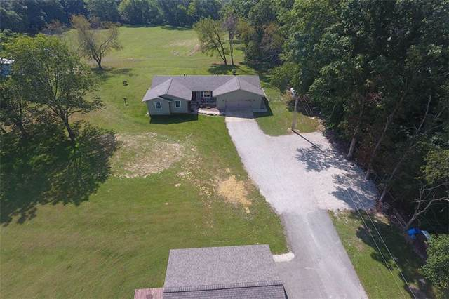 9307 Cabin Road, Oakley, IL 62501 (MLS #6197403) :: Main Place Real Estate