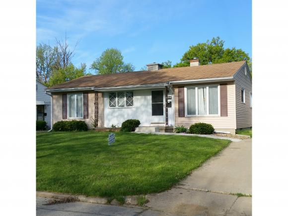 147 Wisconsin Dr, Decatur, IL 62526 (MLS #6183237) :: Main Place Real Estate