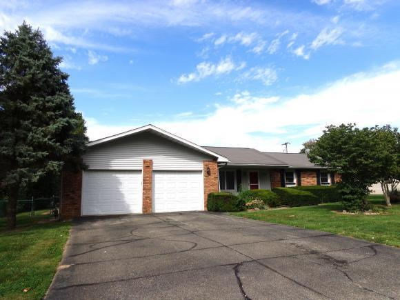 320 Northland Dr, Warrensburg, IL 62573 (MLS #6184131) :: Main Place Real Estate