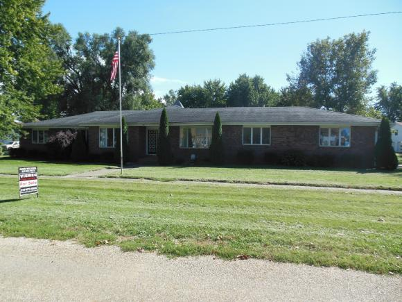 220 E 3rd St, Latham, IL 62543 (MLS #6184212) :: Main Place Real Estate