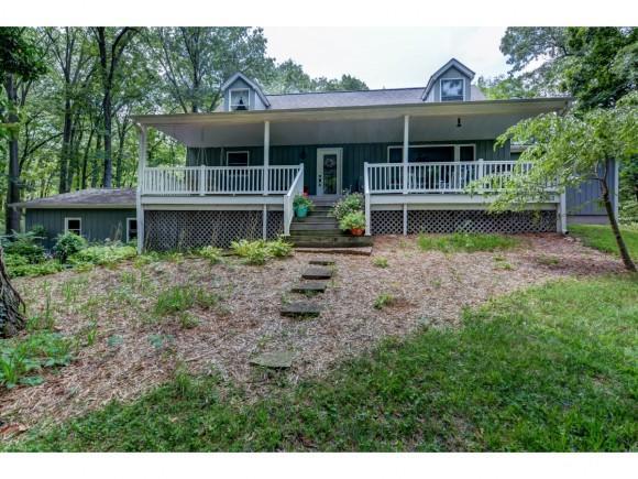 3853 Graces Lane, Decatur, IL 62521 (MLS #6184519) :: Main Place Real Estate