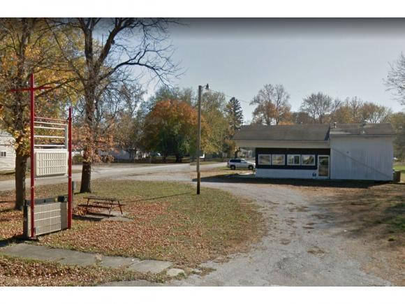 300 W Division St, Findlay, IL 62534 (MLS #6184552) :: Main Place Real Estate