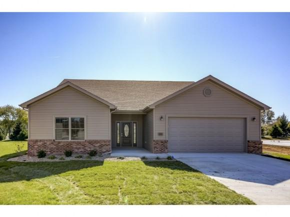 255 August Hill Dr, Mt. Zion, IL 62549 (MLS #6184613) :: Main Place Real Estate