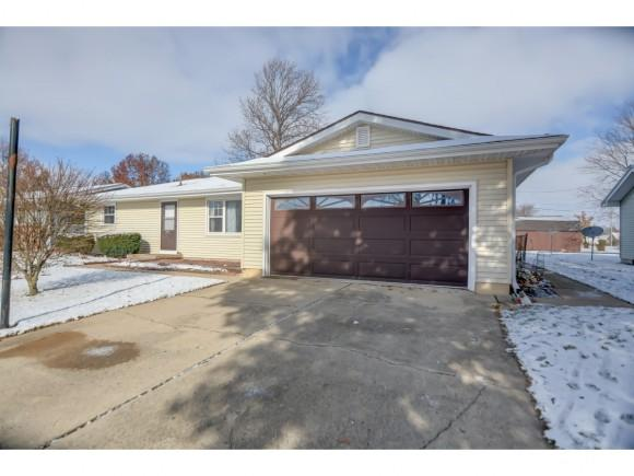 604 Westmoor Dr., Oreana, IL 62554 (MLS #6184849) :: Main Place Real Estate