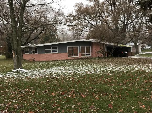 401 Columbus, Decatur, IL 62526 (MLS #6184880) :: Main Place Real Estate