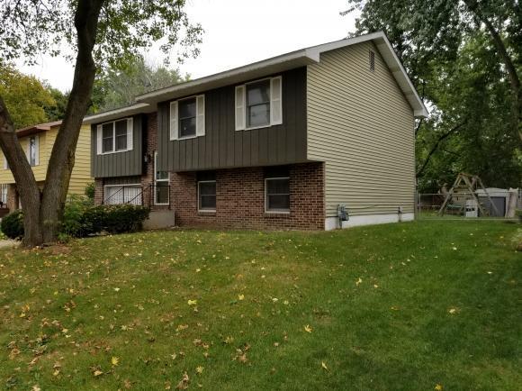 3170 E Redstart Dr, Decatur, IL 62526 (MLS #6184940) :: Main Place Real Estate