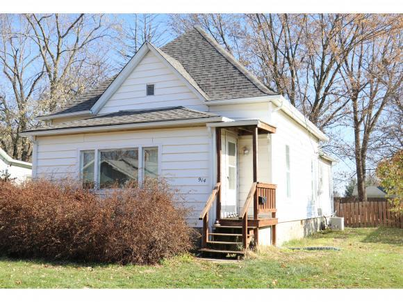 914 N Alexander St, Clinton, IL 61727 (MLS #6185062) :: Main Place Real Estate