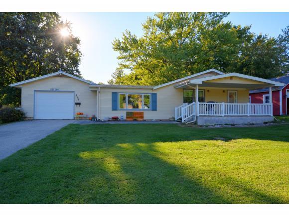 309 S Locust St, Maroa, IL 61756 (MLS #6185091) :: Main Place Real Estate