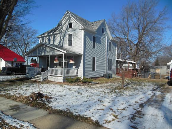 306 W South St, Oreana, IL 62554 (MLS #6185116) :: Main Place Real Estate