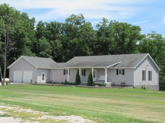 Waynesville, IL 61778 :: Main Place Real Estate