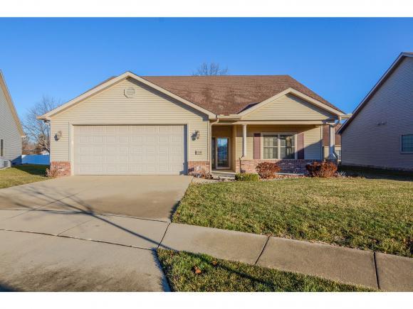 1320 W Alpine Ct., Decatur, IL 62521 (MLS #6190099) :: Main Place Real Estate