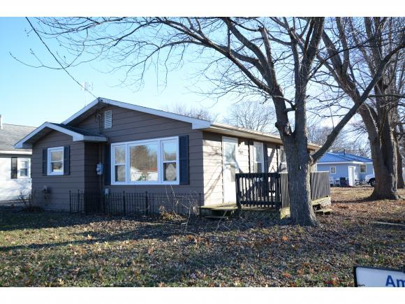 202 S Crowder St, Bethany, IL 61914 (MLS #6190122) :: Main Place Real Estate