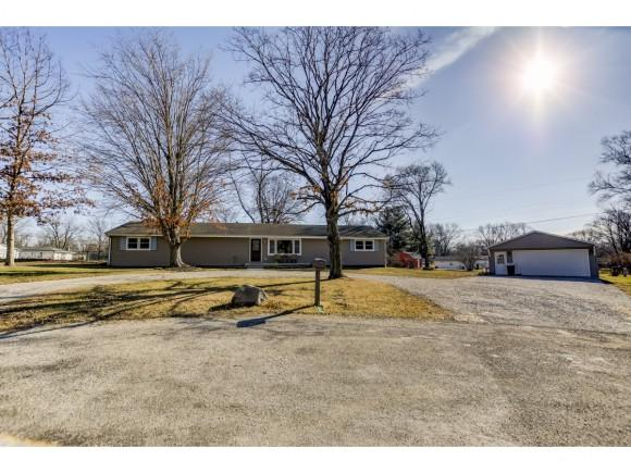 800 South Court, Mt. Zion, IL 62549 (MLS #6190161) :: Main Place Real Estate