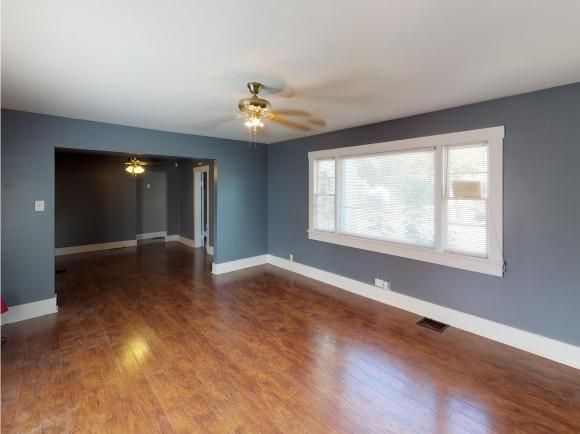 2147 E Roosevelt Ave, Decatur, IL 62521 (MLS #6190191) :: Main Place Real Estate