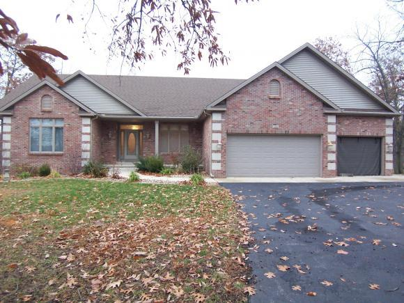 3282 Star Route Rd, Oakley, IL 62501 (MLS #6190542) :: Main Place Real Estate