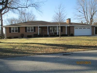 97 Benton, Decatur, IL 62526 (MLS #6194345) :: Main Place Real Estate