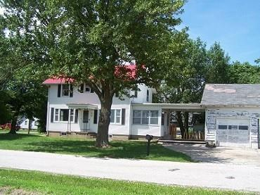 313 W High Street, Blue Mound, IL 62513 (MLS #6194383) :: Main Place Real Estate