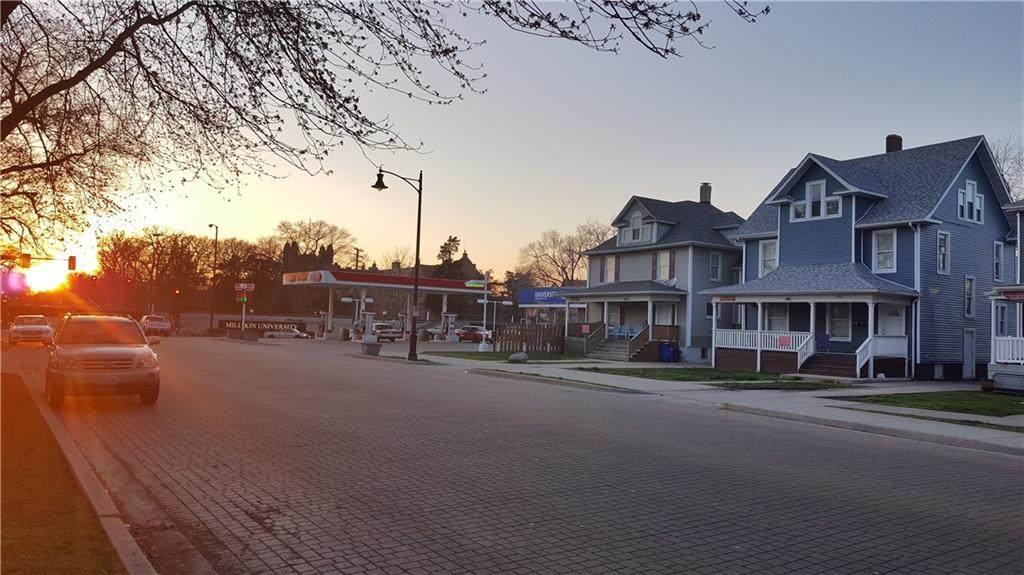 1090 Main Street - Photo 1