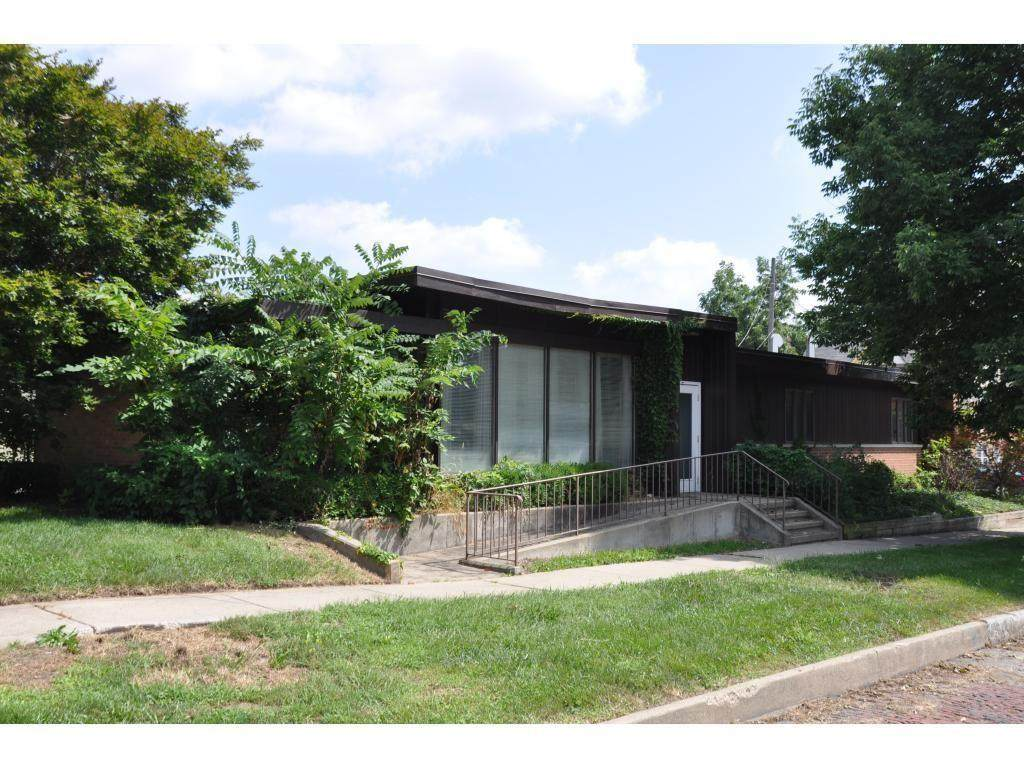469 Wood Street - Photo 1