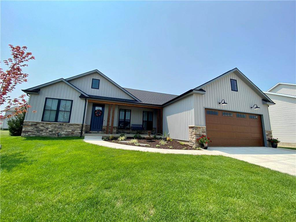 1625 Hunters Pointe Court - Photo 1