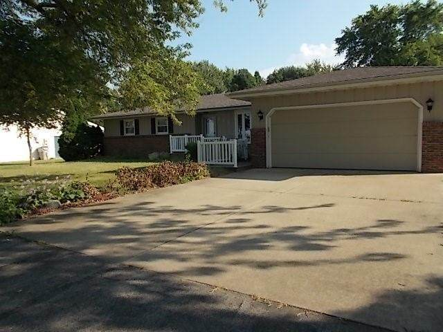 235 W Forsyth Road, Forsyth, IL 62535 (MLS #6214689) :: Main Place Real Estate