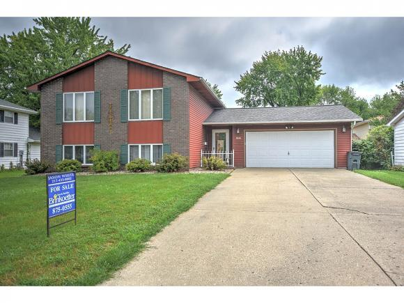 2646 S 34th St, Decatur, IL 62521 (MLS #6183555) :: Main Place Real Estate