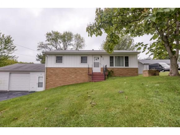 4045 E. Skyline Dr., Decatur, IL 62521 (MLS #6183911) :: Main Place Real Estate