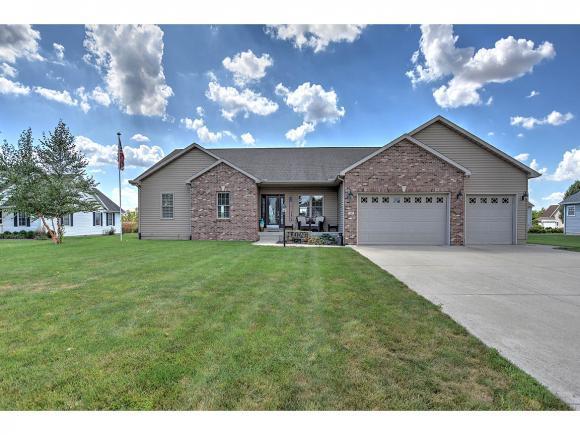 14 Kaskaskia Dr, Sullivan, IL 61951 (MLS #6183933) :: Main Place Real Estate