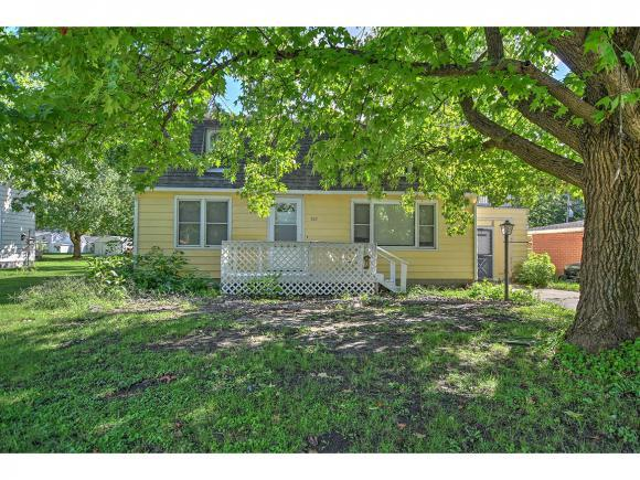 302 E Seiberling St, Blue Mound, IL 62513 (MLS #6183973) :: Main Place Real Estate