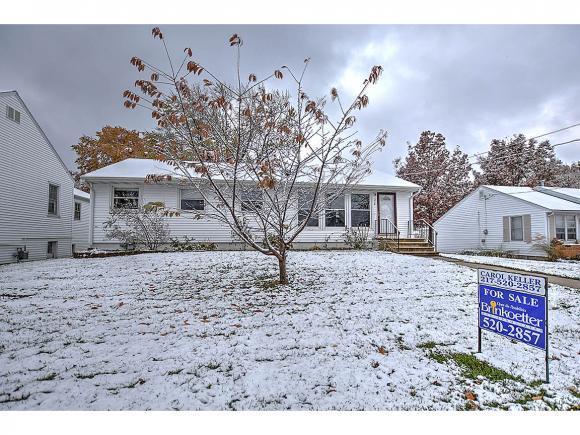316 W Jackson St, Maroa, IL 60929 (MLS #6184789) :: Main Place Real Estate