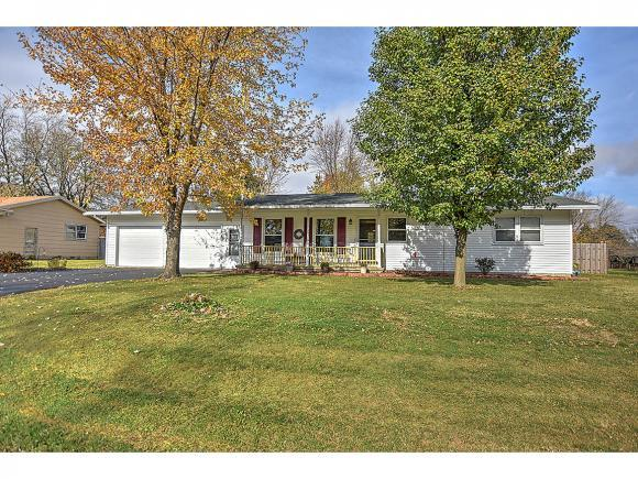 630 Illinois St, Warrensburg, IL 62573 (MLS #6184838) :: Main Place Real Estate