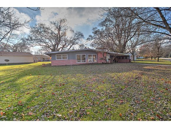 401 Columbus, Decatur, IL 62526 (MLS #6184880) :: Main Place Real Estate