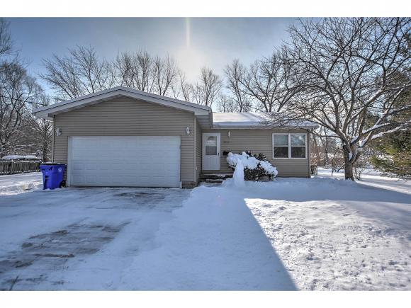3865 E Hickory St, Decatur, IL 62526 (MLS #6190120) :: Main Place Real Estate