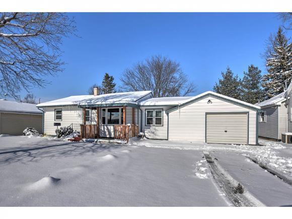 109 E Maple St., Moweaqua, IL 62550 (MLS #6190125) :: Main Place Real Estate
