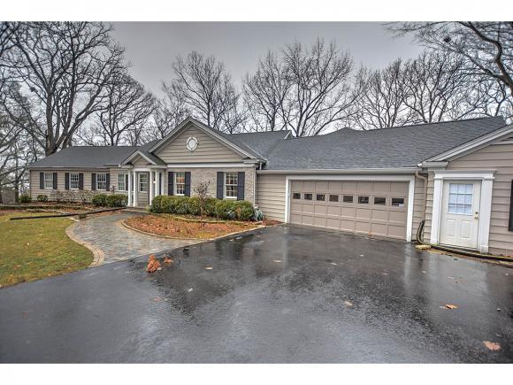 411 Southmoreland Pl, Decatur, IL 62521 (MLS #6190449) :: Main Place Real Estate