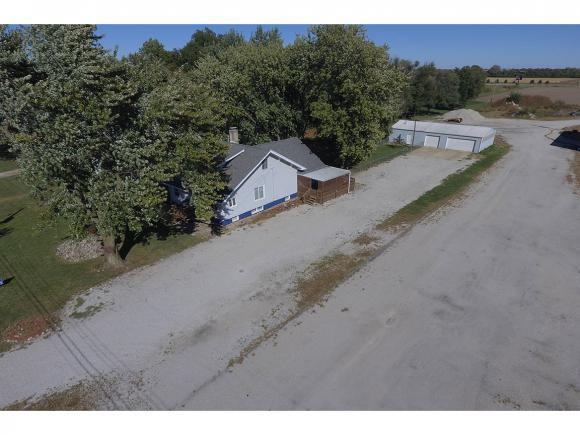 144 N Wall St, Macon, IL 62544 (MLS #6183483) :: Main Place Real Estate