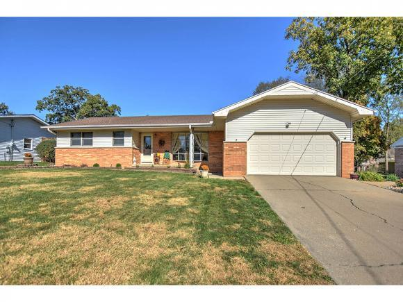 930 Dee Lee Ln, Mt. Zion, IL 62549 (MLS #6184532) :: Main Place Real Estate