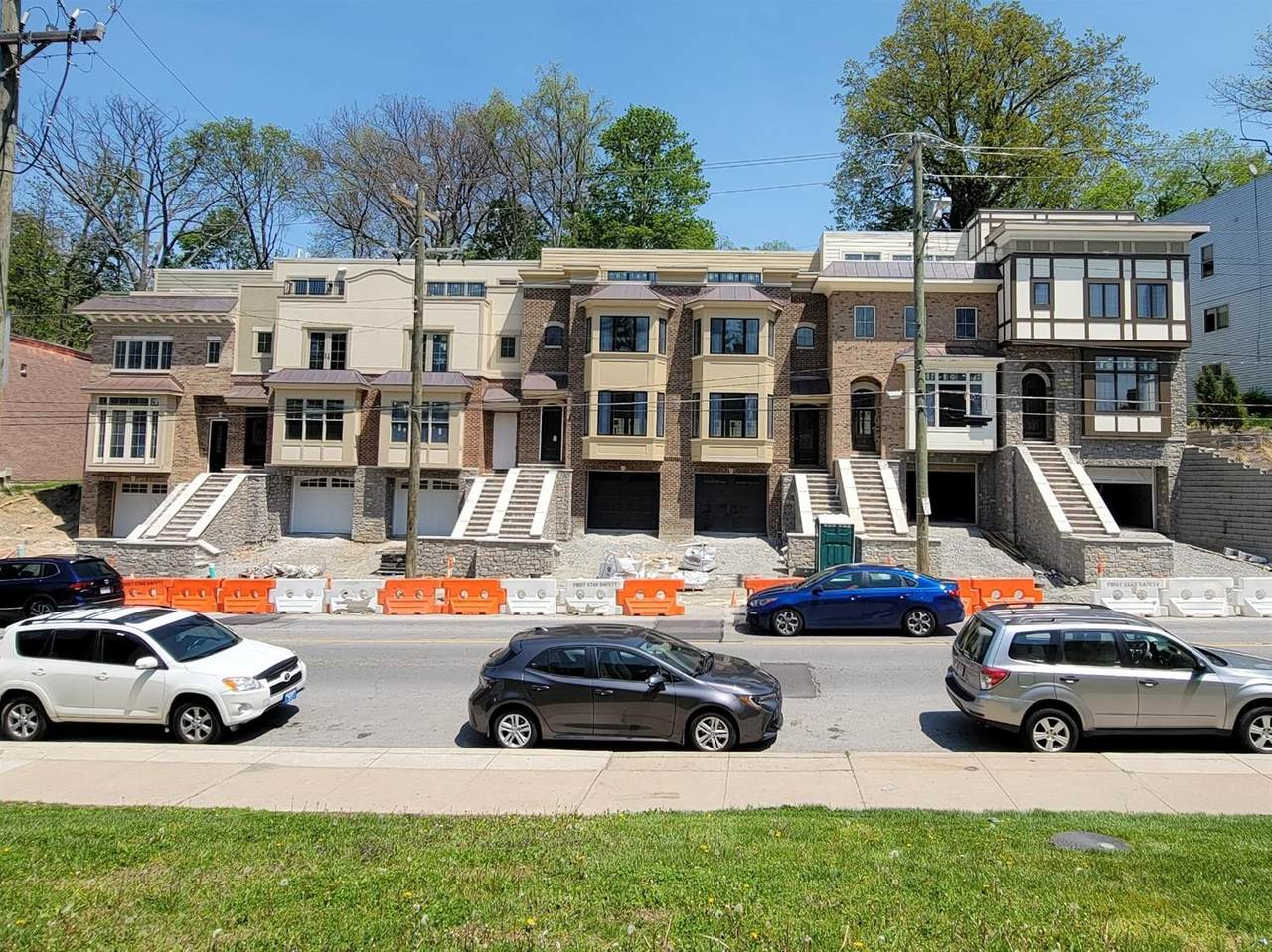 3234 Linwood Avenue - Photo 1