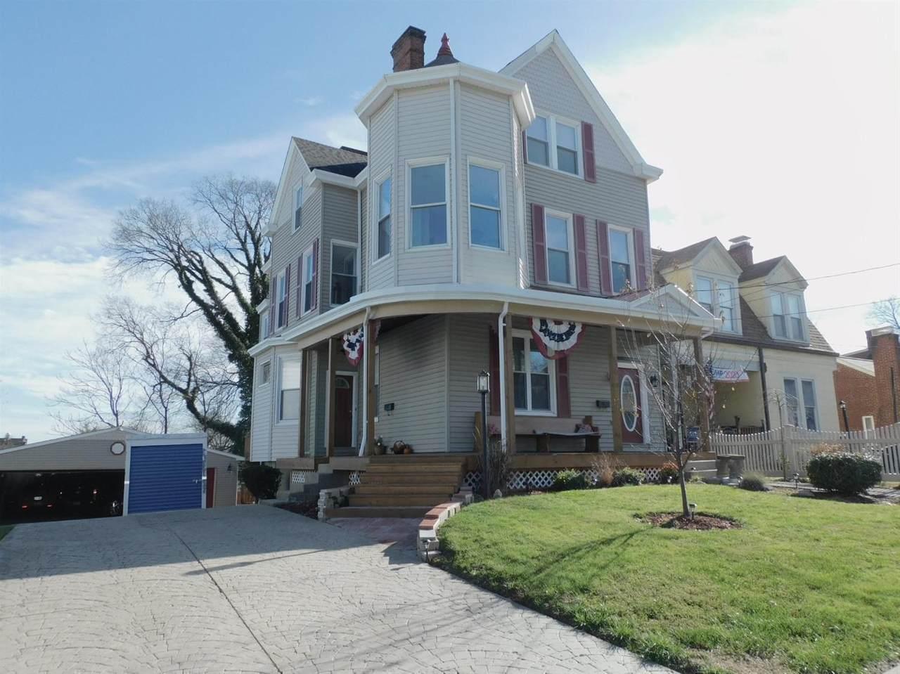 576 Considine Avenue - Photo 1