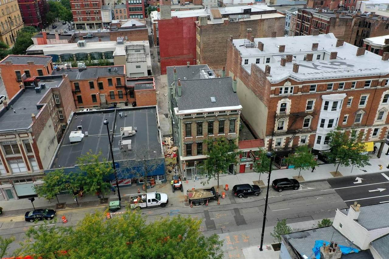 915 Vine Street - Photo 1