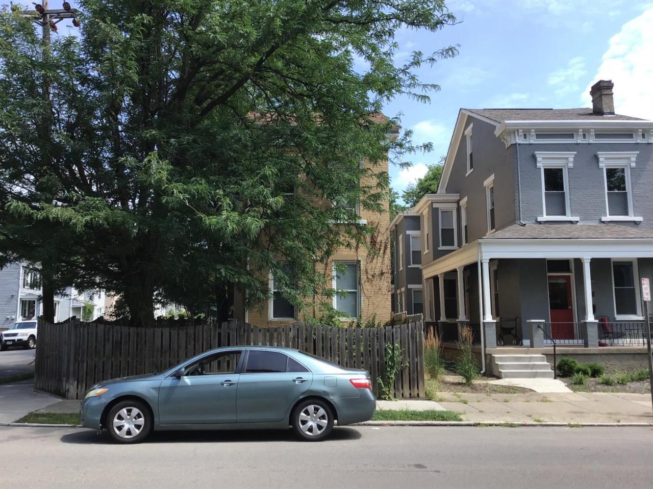1532 Chase Avenue - Photo 1