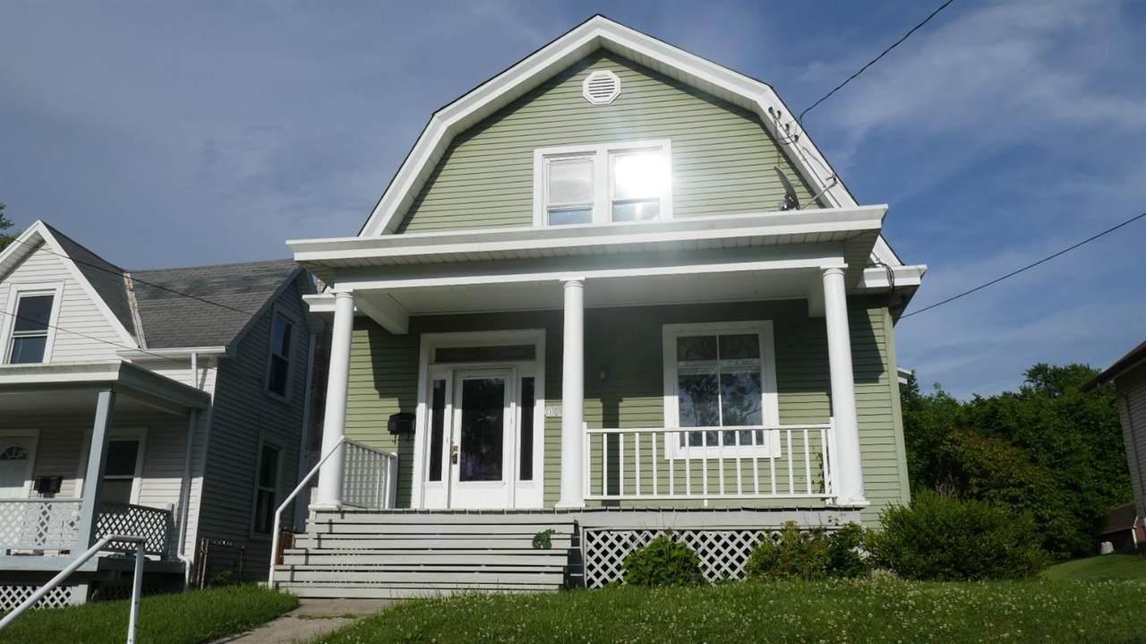 3944 Lovell Avenue - Photo 1