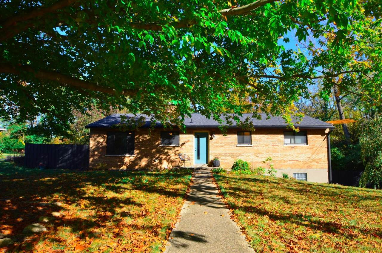 8762 Woodview Drive - Photo 1