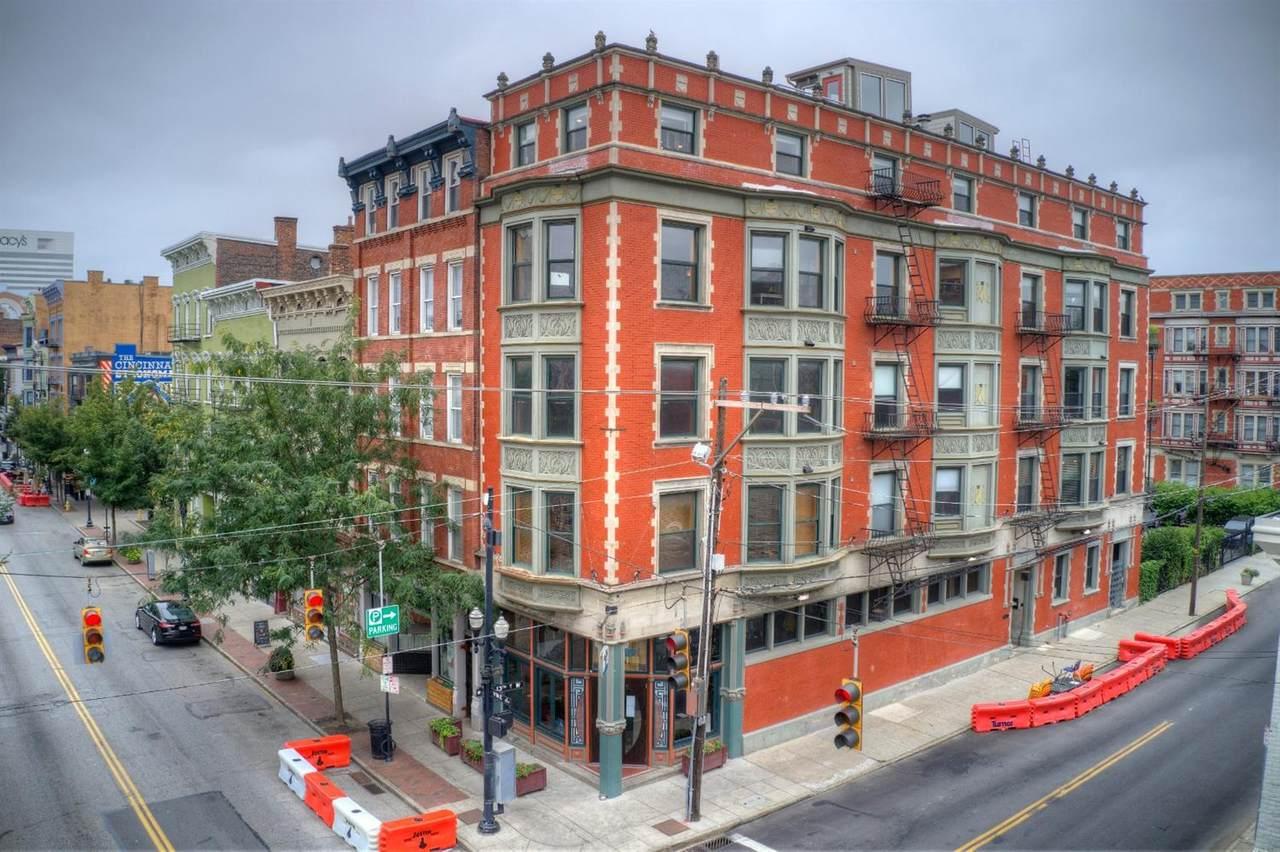 1237 Vine Street - Photo 1